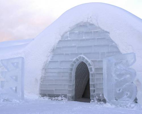 Lainio_snowvillage_igloo